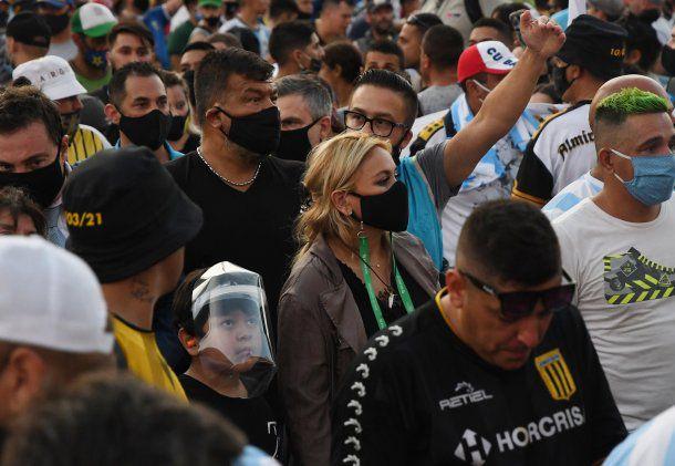 milesdepersonaspidieronjusticiaporlamuertedemaradona| La 100 Bragado 909 mhz