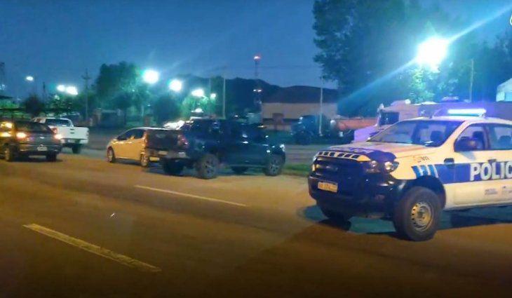 hallan-a-un-adolescente-asesinado-y-a-otro-herido-al-lado-de-una-autopista| La 100 Bragado 90.9 mhz