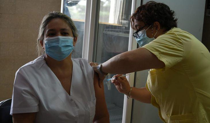 la-provincia-alcanzo-un-nuevo-record-diario-de-vacunacion| La 100 Bragado 90.9 mhz