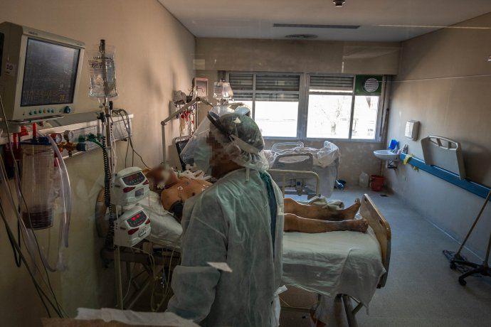al-limite:-siete-de-cada-diez-camas-de-terapia-intensiva-ya-estan-ocupadas-en-el-amba