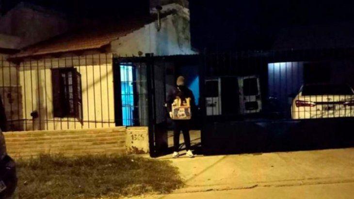 san-luis:-acusan-a-un-policia-de-violar-a-su-hija-y-grabarla-con-el-celular| La 100 Bragado 90.9 mhz