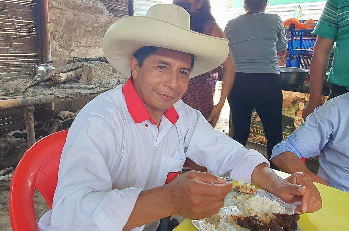 peru:-internaron-al-candidato-que-propuso-el-«debate-en-chota»| La 100 Bragado 90.9 mhz
