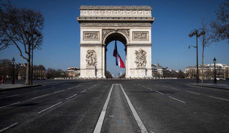 francia:-invitan-a-retirarse-de-las-fuerzas-armadas-a-militares-criticos