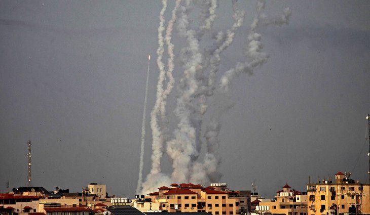 27-chicos-entre-los-103-muertos-palestinos-en-gaza-por-los-bombardeos-israelies